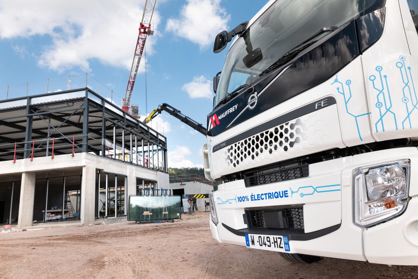Groupe-Mauffrey-blog-Materiel-roulant-porteur-electrique-en-situation-exterieur-Academy-chantier-Mai-2021