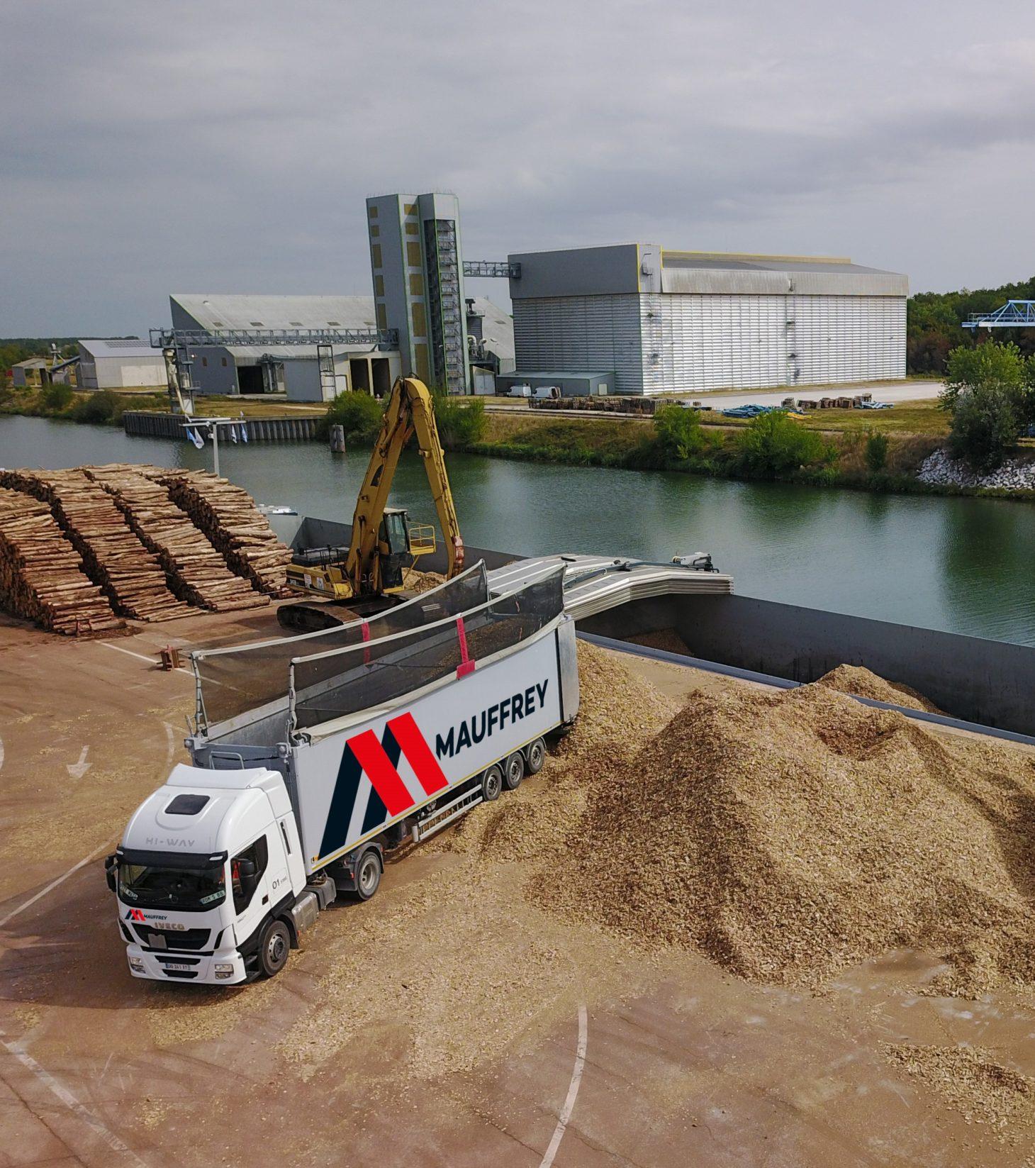 Groupe-Mauffrey-gestion-de-logistique-complexe-Nos-prestations-Gestion-de-logistique-complexe-Fluvial-multimodal